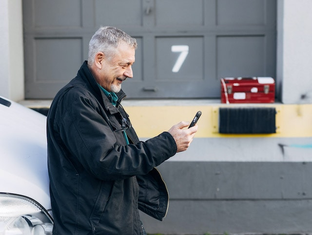 A technician verifies the details of a job using Streem remote video before the site visit